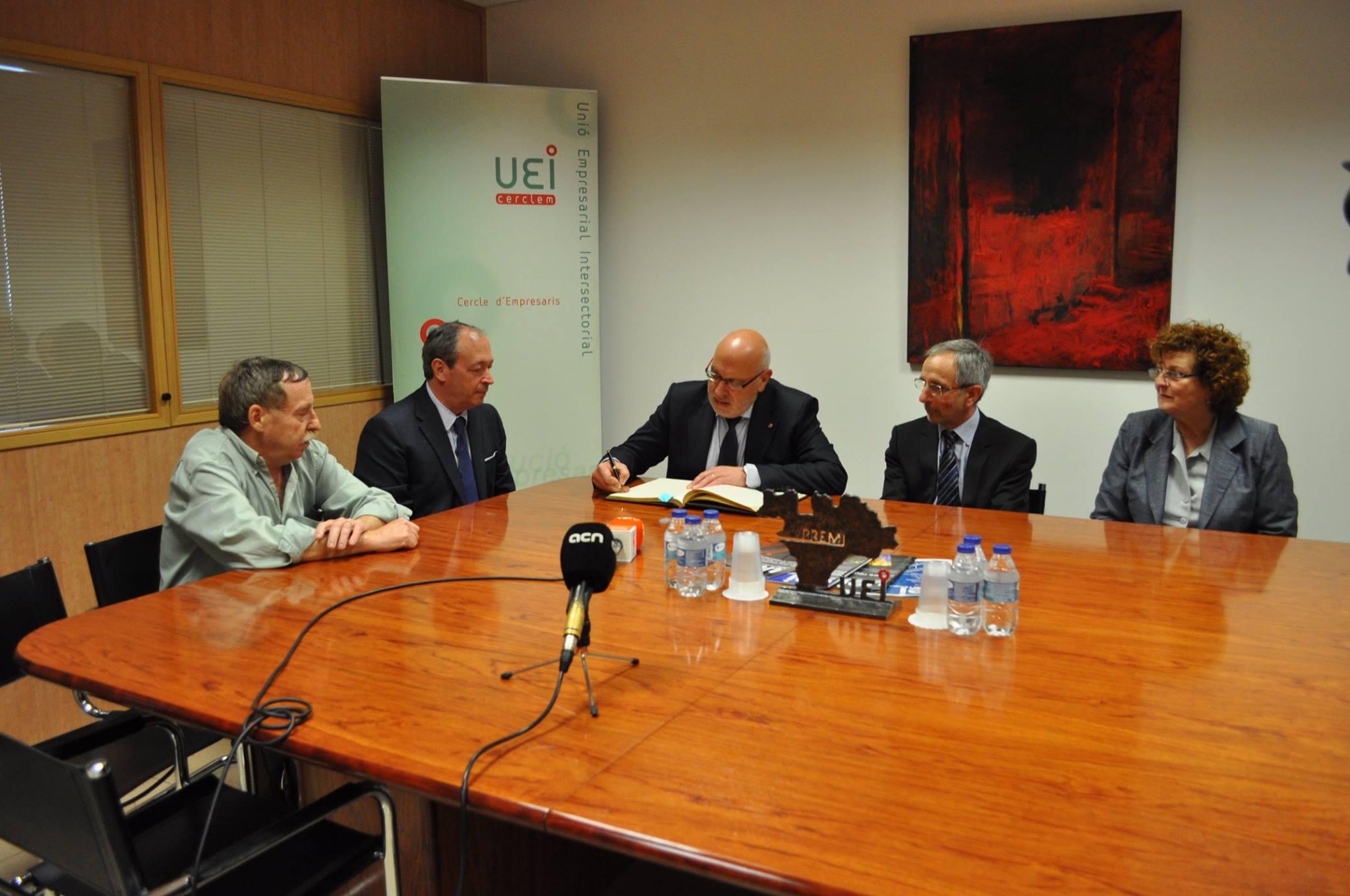 Joan Díaz y el Conseller de Industria, Jordi Baiget