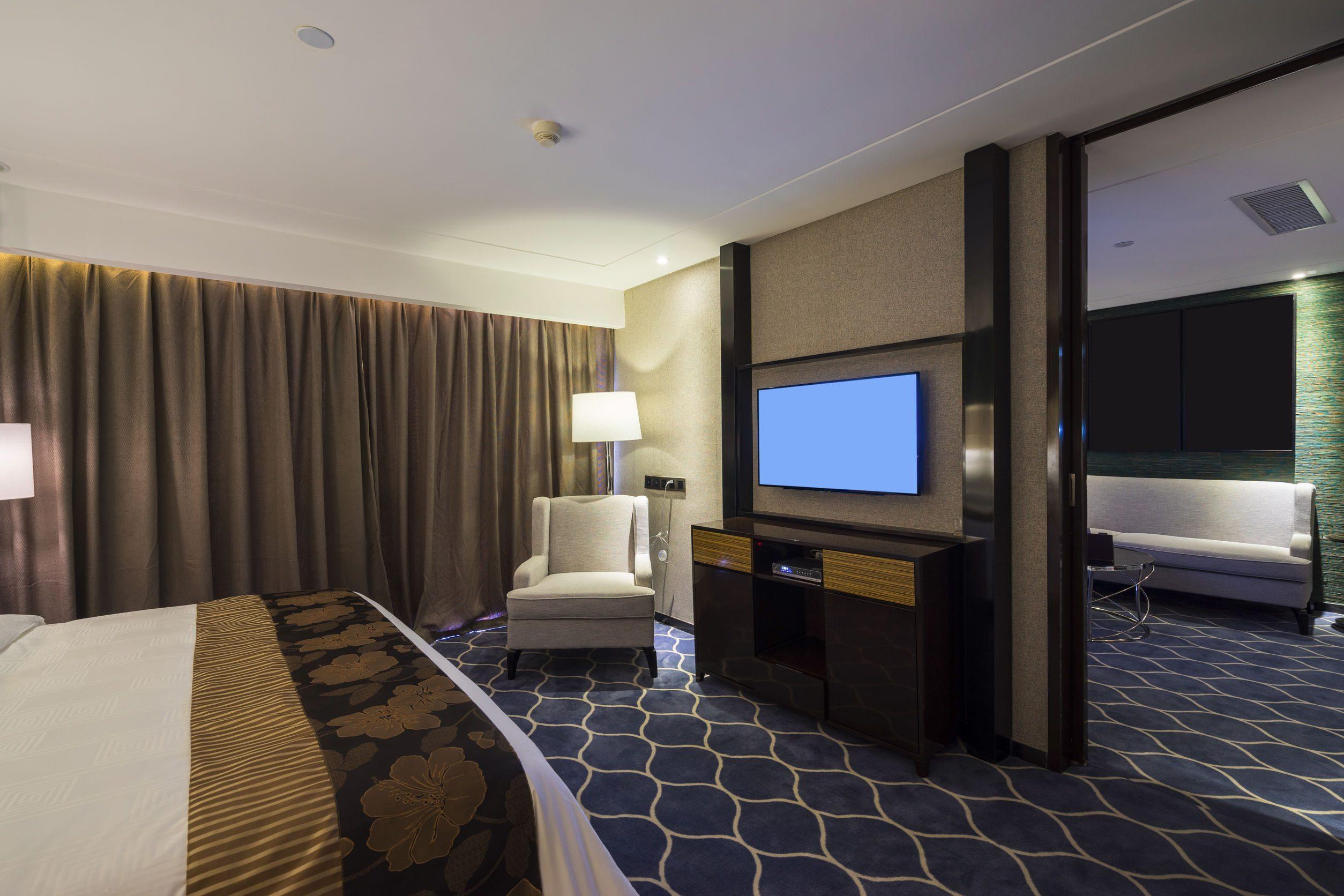 Stop al pago de canones por las emisiones televisadas y radiofonicas en las habitaciones de los hoteles