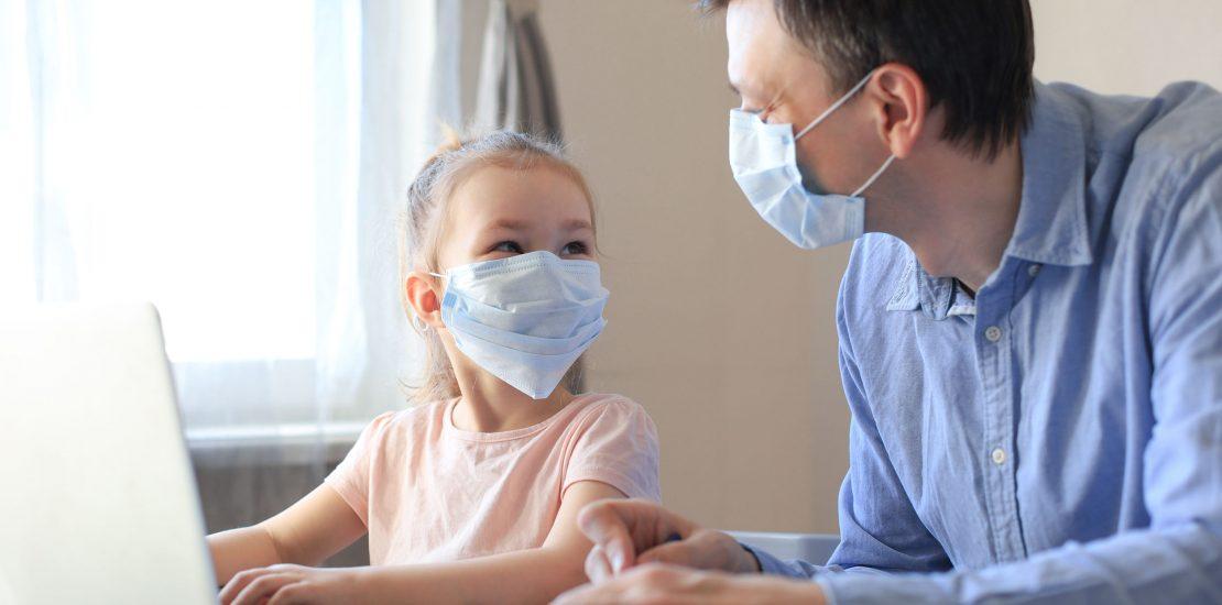 COVID-19. El Gobierno descarta la baja laboral para padres con hijos en cuarentena pero PCR negativa